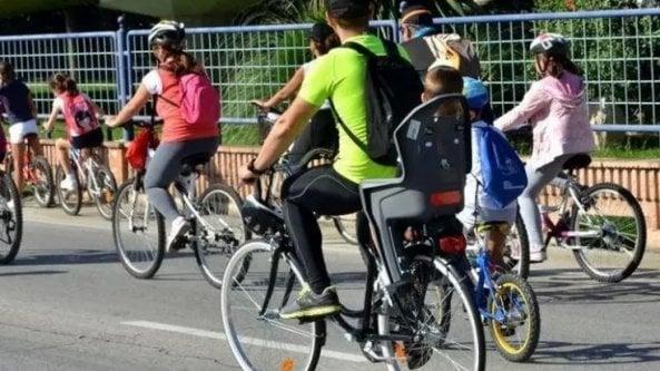 Vai a scuola o al lavoro in bici? Il Comune ti rimborsa 15 centesimi a chilometro